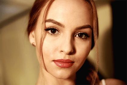 女人鼻子右边有痣代表什么?女人眉毛中间有痣好吗?